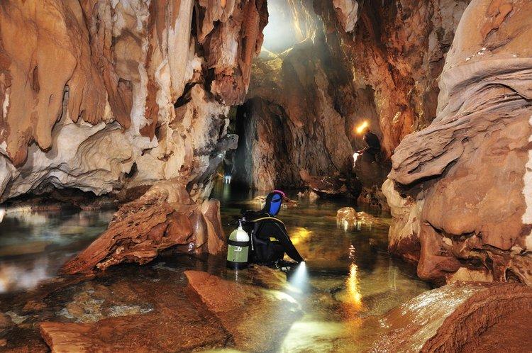 CaveAtlas.com » Cave Diving » Italy » Grotta Del Fico